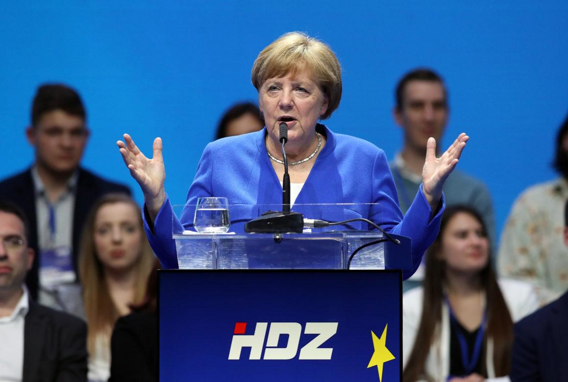 merkel romboló áramlatoktól félti az eu-t Merkel romboló áramlatoktól félti az EU-t merkel hdz
