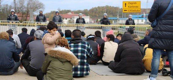 migrÁciÓ: mi volt előbb: az illegális kitoloncolás vagy az illegális határátlépés? MIGRÁCIÓ: Mi volt előbb: az illegális kitoloncolás vagy az illegális határátlépés? csm grenze zagreb balkanroute ae343236d7