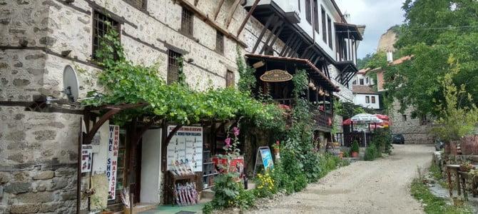 ШИРОКА МЕЛНИШКА ЛОЗА: churchill bolgár szerelme ШИРОКА МЕЛНИШКА ЛОЗА: Churchill bolgár szerelme melni wine shop