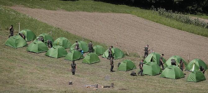 stÁjer ŐrsÉg: szlovén migránsellenes tábor a horvát határ közelében STÁJER ŐRSÉG: Szlovén migránsellenes tábor a horvát határ közelében stajerska vrva