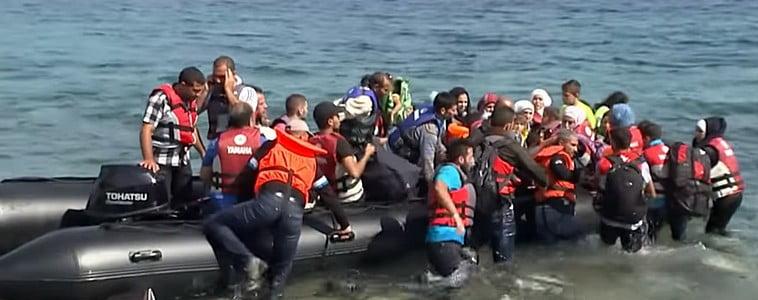 kritikus fÉl Óra: ennyi kellett ahhoz, hogy 13 csónak érkezzen leszboszra KRITIKUS FÉL ÓRA: Ennyi kellett ahhoz, hogy 13 csónak érkezzen Leszboszra lesbos migrants arriving