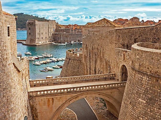 homo turisticus: dubrovnik hamarosan megadóztatja a város partjainál kikötő tengerjárókat HOMO TURISTICUS: Dubrovnik hamarosan megadóztatja a város partjainál kikötő tengerjárókat kiralyvar