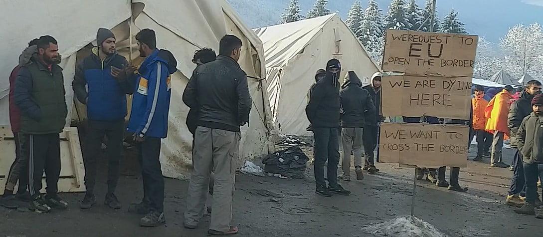 helyszÍni tudÓsÍtÁs: a vöröskereszt önkéntesei kivonultak a vučjaki migránstáborból HELYSZÍNI TUDÓSÍTÁS: A Vöröskereszt önkéntesei kivonultak a vučjaki migránstáborból ehsegsztrajk