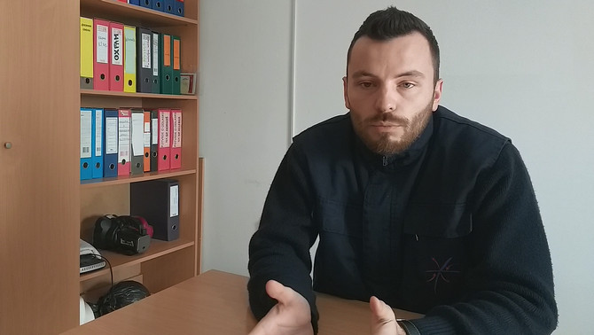 helyszÍni tudÓsÍtÁs: német menedékjoggal rendelkező férfit toloncoltak ki magyarországról szerbiába (videÓ) HELYSZÍNI TUDÓSÍTÁS: Német menedékjoggal rendelkező férfit toloncoltak ki Magyarországról Szerbiába (VIDEÓ) kasada