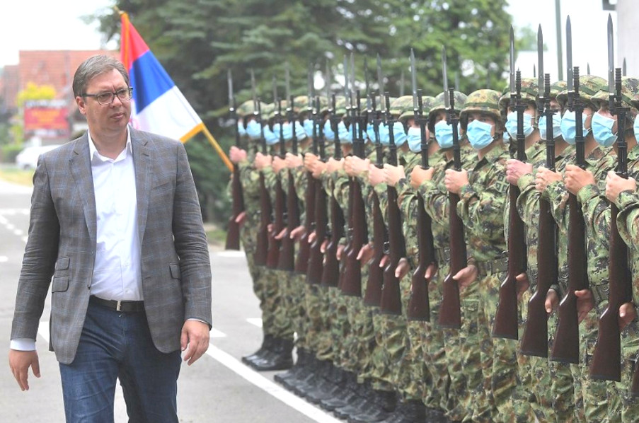 SZERBIA TOVÁBB FEGYVERKEZIK: A szerb elnök bombázó repülőket vásárolna, hogy megvédje az országot SZERBIA TOVÁBB FEGYVERKEZIK: A szerb elnök bombázó repülőket vásárolna, hogy megvédje az országot szava vucic