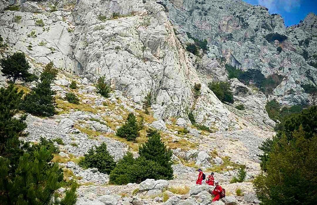 FÉL DALMÁCIA KERESI: Eltűnt egy lengyel hegymászó a Makarska feletti Biokovo-hegységben FÉL DALMÁCIA KERESI: Eltűnt egy lengyel hegymászó a Makarska feletti Biokovo-hegységben biokovo 2 mentok