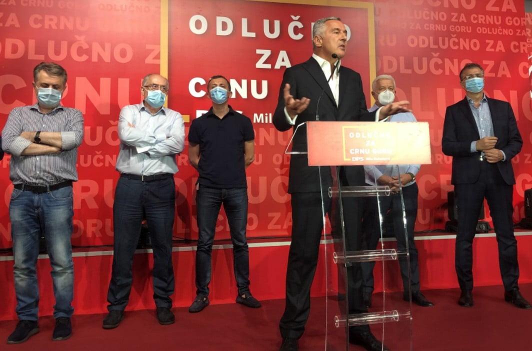 MEGSZÁMOLTÁK A SZAVAZATOKAT: Milo Đukanović pártja nyert, de mégsem győzött MEGSZÁMOLTÁK A SZAVAZATOKAT: Milo Đukanović pártja nyert, de mégsem győzött dukanovic crash