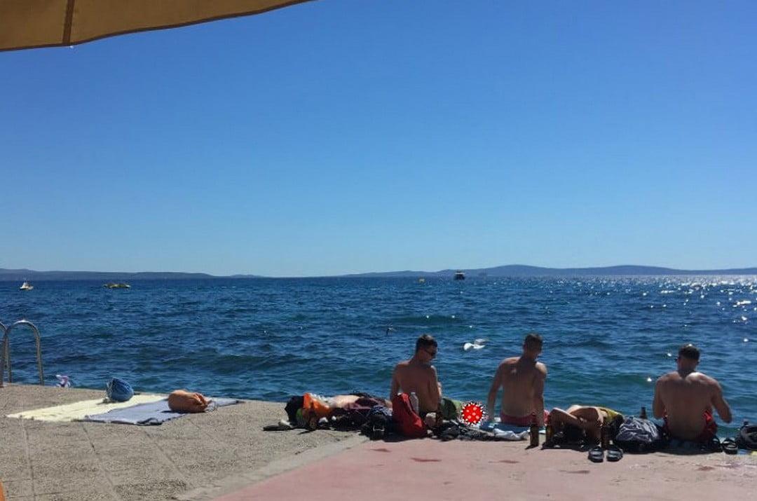 turizmus PÉNZT VAGY ÉLETET: Tudatosan kockáztattatták az emberéleteket, hogy a turizmusból több pénz folyjon be korona tenger