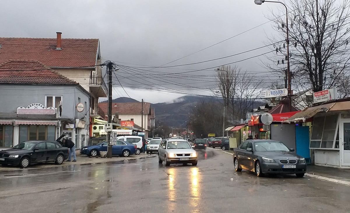 SZERB KERÍTÉS: A macedón-szerb határon megkezdődött a kerítés építése SZERB KERÍTÉS: A macedón-szerb határon megkezdődött a kerítés építése presevo