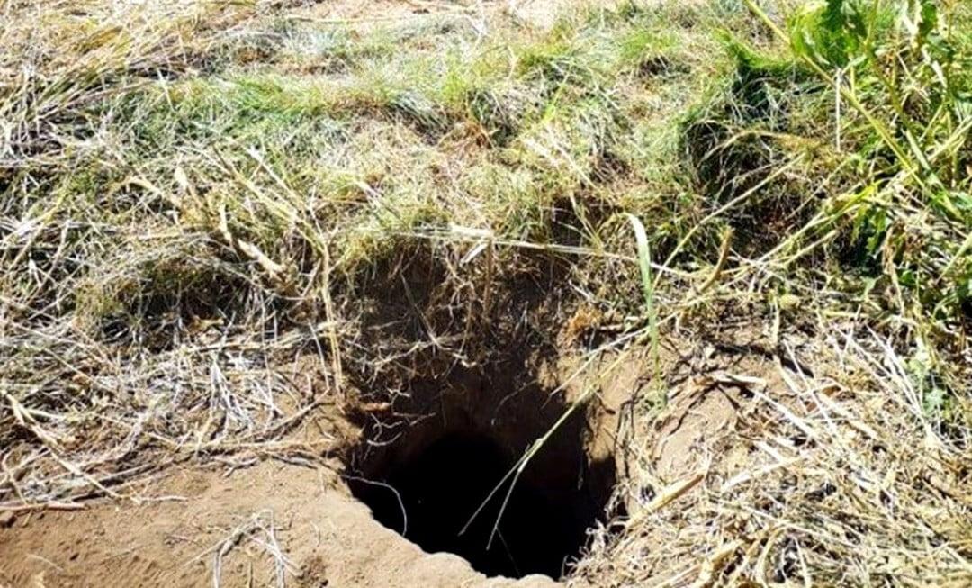 VAN-E MÉG? Egy nap alatt három alagutat találtak Bács-Kiskunban VAN-E MÉG? Egy nap alatt három alagutat találtak Bács-Kiskunban lyuk harmadik