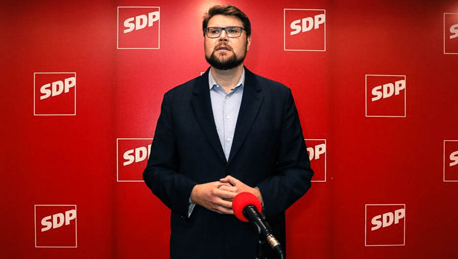 A NAGY EMBER: Új elnök a horvát szociáldemokratáknál, aki részegen őrültségeket csinál, józanon viszont pártot reformál A NAGY EMBER: Új elnök a horvát szociáldemokratáknál, aki részegen őrültségeket csinál, józanon viszont pártot reformál grbin