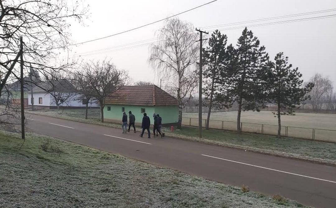 NINCS MEGÁLLÁS: Akár betegséget is terjeszthetnek a migránsok a szerb-román-magyar hármashatárnál NINCS MEGÁLLÁS: Akár betegséget is terjeszthetnek a migránsok a szerb-román-magyar hármashatárnál majdany