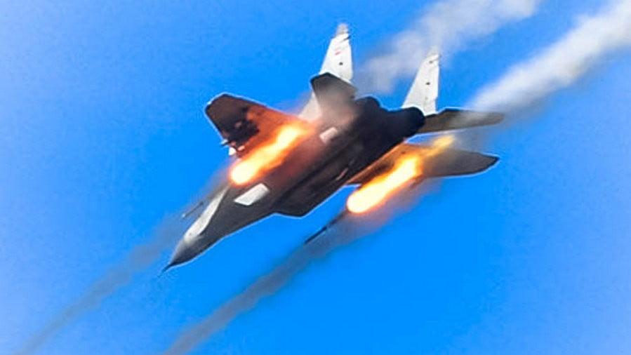 ÁLDOZAT NINCS: Földi célpontokat lőttek a MiG-29-esek Szerbiában, és felszálltak a pilóta nélküli repülőgépek is ÁLDOZAT NINCS: Földi célpontokat lőttek a MiG-29-esek Szerbiában, és felszálltak a pilóta nélküli repülőgépek is mig 29 2 2