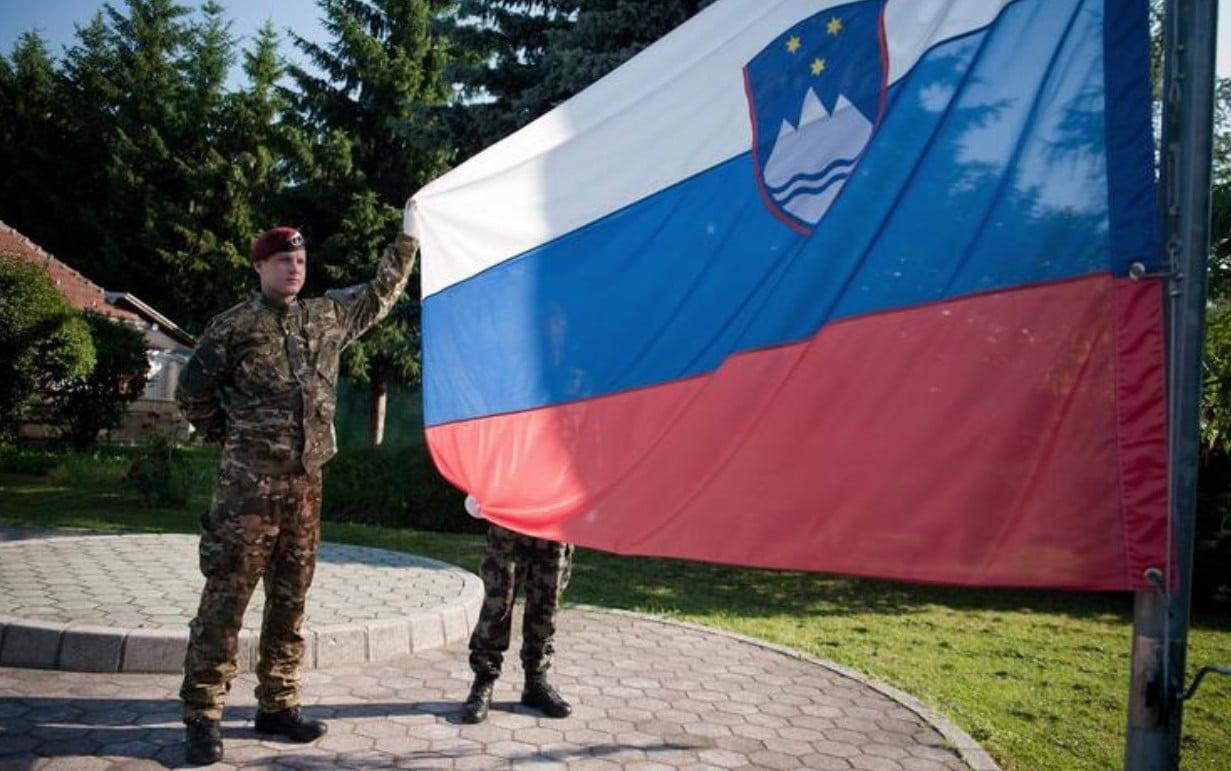KATONAI SEGÍTSÉG: A szlovén kormány a hadsereg bevethetőségét kéri a parlamenttől a határok védelmére KATONAI SEGÍTSÉG: A szlovén kormány a hadsereg bevethetőségét kéri a parlamenttől a határok védelmére szloven kataonak