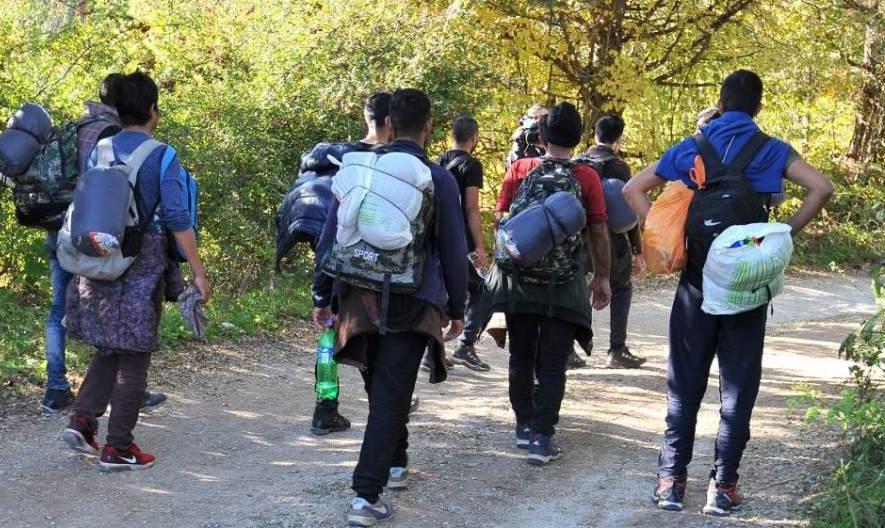 PÁSZTORMUNKA: Migránsok Andrástelkén, avagy rendőrök és határőrök terelgetik őket Szerbiában ide-oda PÁSZTORMUNKA: Migránsok Andrástelkén, avagy rendőrök és határőrök terelgetik őket Szerbiában ide-oda miigransok