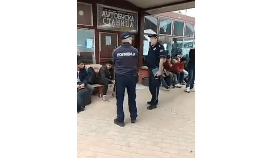 KÉSELÉS: Huszonkét késszúrással sebesítettek meg a migránsok egy férfit a Vajdaságban