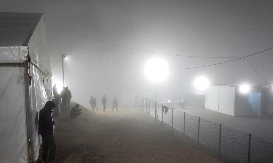 LIPÁNAK NINCS VÉGE: Mégsem szűnik meg a migránstábor, avagy ha nem megy Mohamed a konténerhez, akkor a konténer megy Mohamedhez