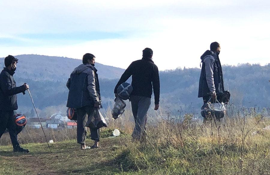 HÁROM BIZTOS: Uniós biztosok a bosznia-hercegovinai migránshelyzet súlyosságára hívták fel a figyelmet