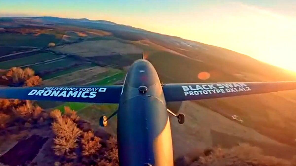 DRÓNBÁZIS A VÁROS SZÉLÉN: Logisztikai drónbázis létesülhet az eszéki repülőtéren