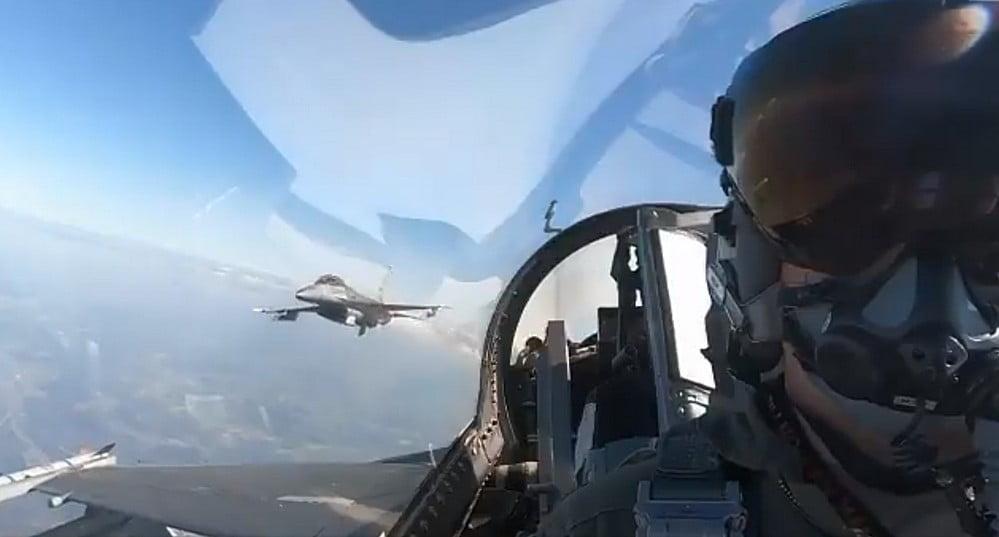 SZÁRNYRA KAPNAK: Az USA-ban képzik ki a bolgár F-16-os pilótákat