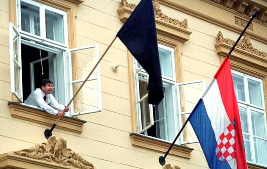 SZOLIDARITÁS: Mára gyásznapot, három megyére pedig katasztrófahelyzetet hirdettek Horvátországban