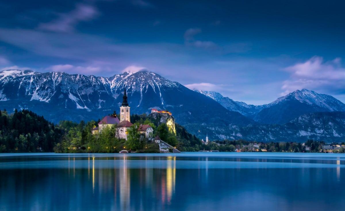 KORONAKÖTVÉNY EURÓBAN: Szlovénia új tízéves eurókötvényt hozna forgalomba