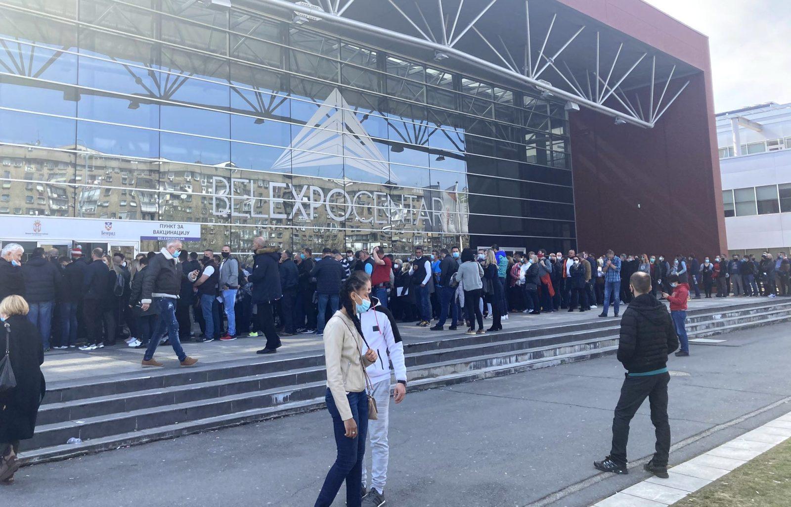 VAKCINABIRODALOM: Külföldi üzletembereket oltanak be Szerbiában belexpo