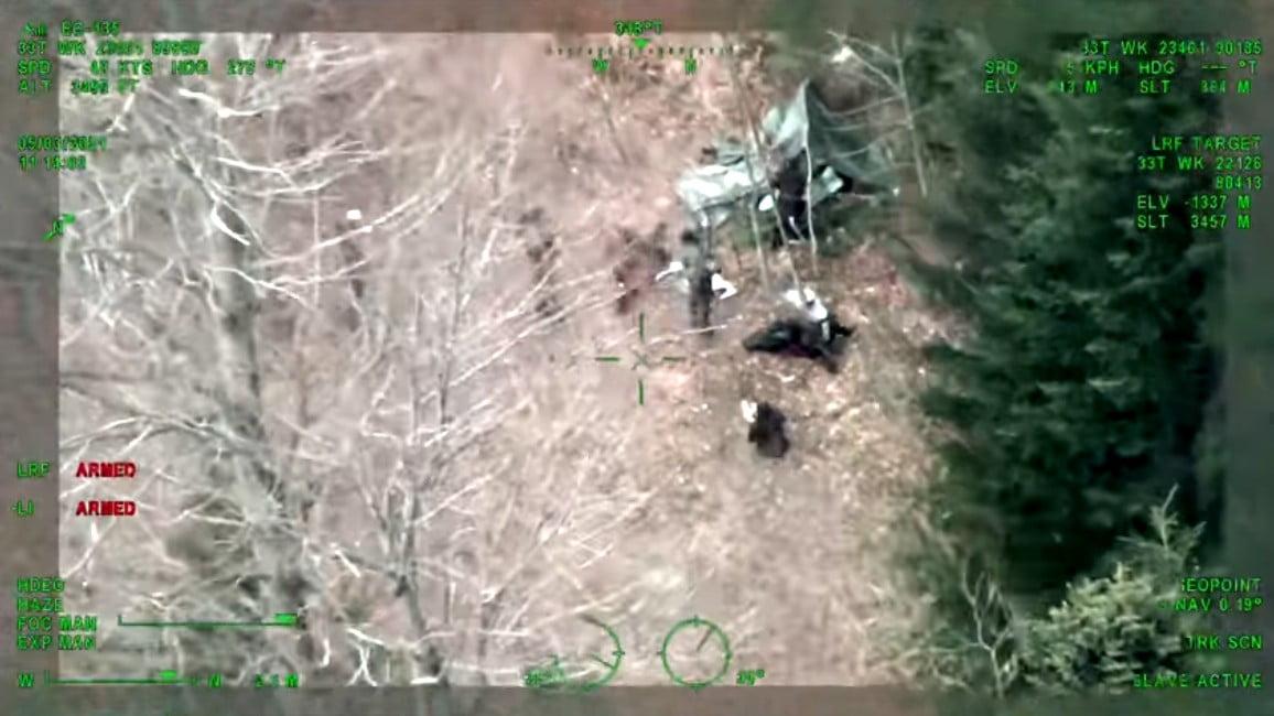 akna AKNAMEZŐ: Horvátországban tíz migránst mentettek ki, egy viszont aknára lépett helikopteres mentes
