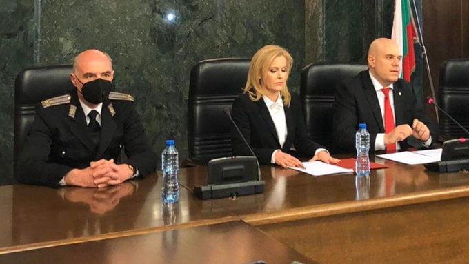 bolgár 006: Bulgáriában hat embert tartóztattak le, mert Moszkvának kémkedett t u6hIVD