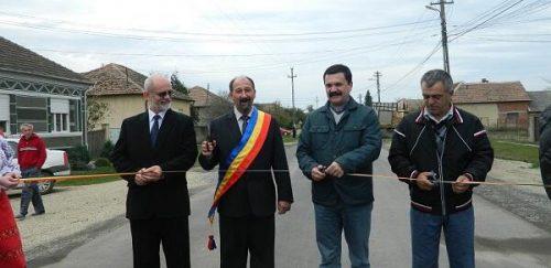 román ÁTJÁRHATÓBB: A bukaresti kormány jóváhagyta két új román-magyar közúti határátkelő megnyitását BZ59oq CEAA VBh 500x243 alcatraz ALCATRAZ PARTIZAN: Újabb szurkolói csoport vezetőjét tartóztatták le Belgrádban BZ59oq CEAA VBh 500x243