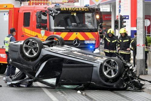 audi ALACSONYAN SZÁLLÓ AUDI: Közel 150-nel repült bele a tilosban parkoló autókba csatater1 500x333