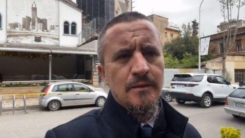 İLK TERÖR? Ramazan'da namazda Tiran'da camiye gecikmeli saldırı! imam 500x282
