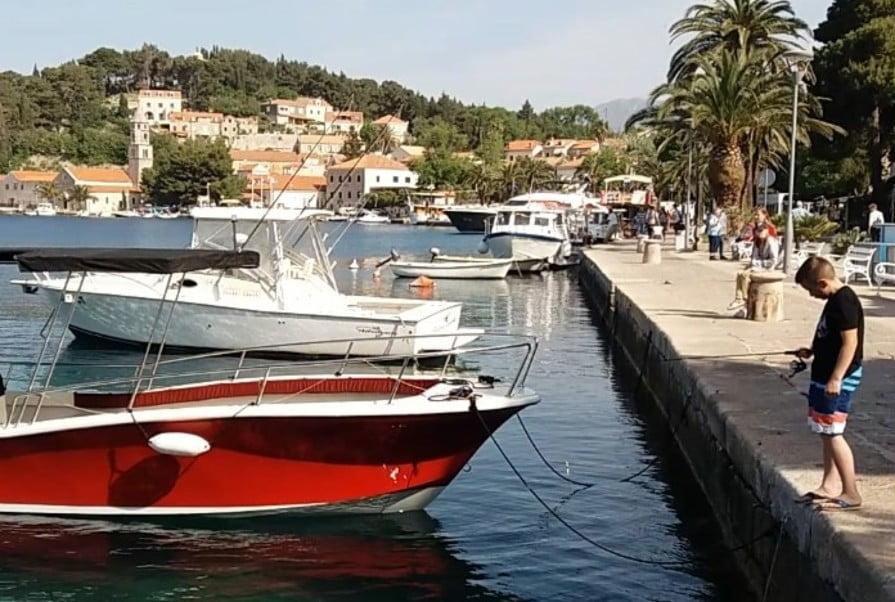 horvát KÖNNYÍTÉS: Már egy oltással is be lehet utazni Horvátországba cavtat