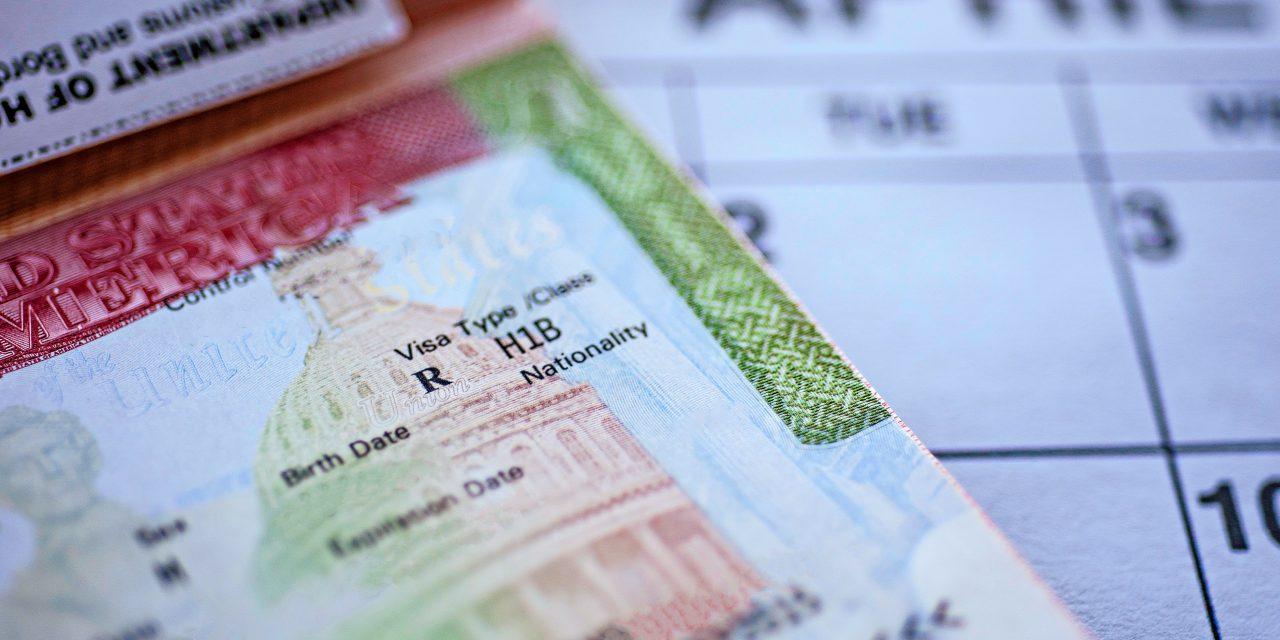 TÍZ SZÁZALÉK: Ezért nem törölte el Washington a román állampolgárok vízumkötelezettségét immigration impact h1b cap needs workers 1280x640 1