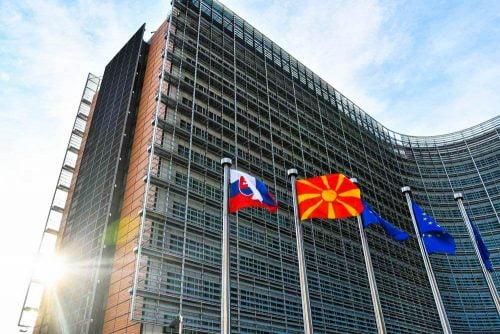 BRÜSSZEL SAJÁT MAGÁT KÖPTE SZEMEN: Így hagyja magára az EU Észak-Macedóniát macedon eu 2 500x334 covid SZIJJÁRTÓ: Nem lehet diszkriminatív az esetleges COVID-útlevél, figyeljük az AstraZenecát macedon eu 2 500x334