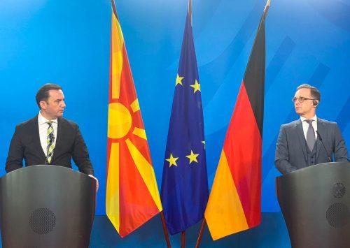 EL A KEZEKET A HATÁROKTÓL! A német külügyminiszter szerint mindenkinek rossz lenne a határok módosítása a Balkánon macedon nemet  500x355 covid SZIJJÁRTÓ: Nem lehet diszkriminatív az esetleges COVID-útlevél, figyeljük az AstraZenecát macedon nemet  500x355