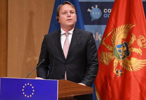 SZOMSZÉDSÁGI POLITIKA: Várhelyi Vučićtyal pezsgőzött, avagy kevés és megkésett a Balkánnak nyújtott uniós támogatás várhelyi SZOMSZÉDSÁGI POLITIKA: Várhelyi Vučićtyal pezsgőzött, avagy kevés és megkésett a Balkánnak nyújtott uniós támogatás podgorica 500x345