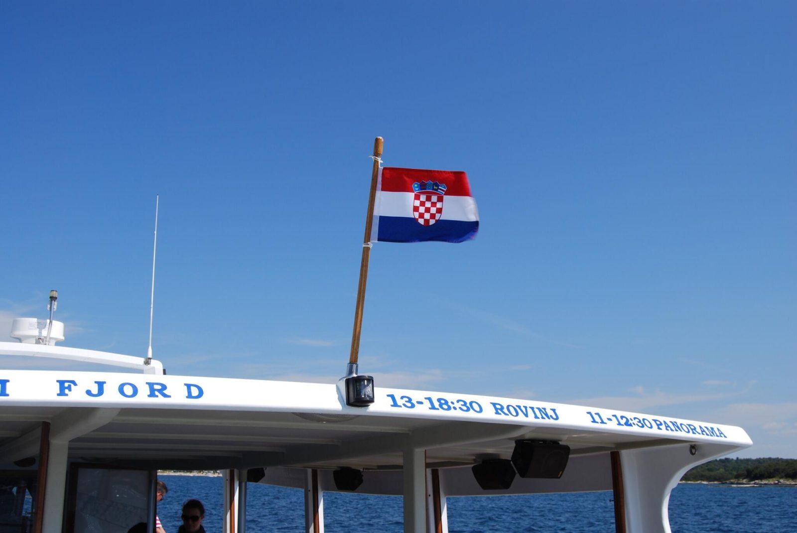 horvát MÓDOSULT: Mégsem olyan könnyű bejutni Horvátországba, ugyanakkor Magyarország elismeri a horvát PCR-tesztet is rovinj zaszlo