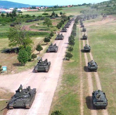 SZERB-OROSZ FEGYVERBARÁTSÁG: Megjöttek a tankok  szerb SZERB-OROSZ FEGYVERBARÁTSÁG: Megjöttek a tankok tankok
