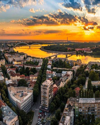 AYNI ZAMANDA iki köprü: Çinliler Novi Sad Novi Sad'da her iki Tuna köprüsünü inşa etti