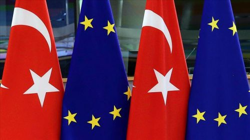 A VÉGKIFEJLET BIZONYTALAN: Törökország és az EU: se veled, se nélküled zaszlok torok eu 500x281