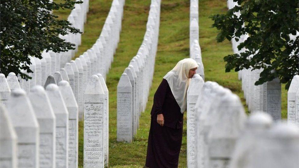 AMERIKA TÁMOGATJA: Az Egyesült Államok üdvözölte a Srebrenicára vonatkozó montenegrói törvény elfogadását tÖmeges oltÁs: szerbiában naponta mintegy ötvenezer embert oltanak be, hétvégén sincs megállás TÖMEGES OLTÁS: Szerbiában naponta mintegy ötvenezer embert oltanak be, hétvégén sincs megállás srebrenica