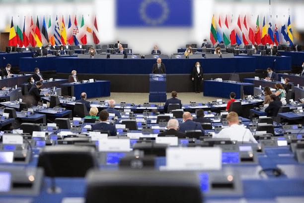 szlovén UNIÓS CSATATÉR: Janša a jogállamiság tiszteletben tartását, és a migráció mindenki számára elfogadható szabályozását követelte E5mfMZSXoAQ47wV removebg preview