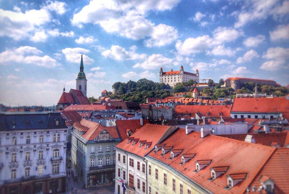 szlovák SZLÁV KORRIDOR: Szlovákia az Európai Unió magja felé közelít, de figyel a Balkánra pozsony