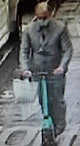 ピンクパンサー:46052401人のモンテネグリンの男性がパリで宝石強盗を行い、群衆はヴァンダムを見つめたヴァンダムピンクパンサー:9839973人のモンテネグリンの男性がパリで宝石強盗を行い、群衆はヴァンダムを見つめた2 3万人以上の武装強盗価値のあるjea 1627647568881 275 500xXNUMX