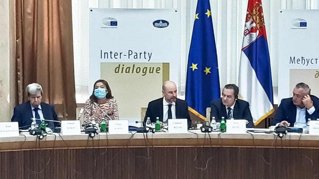 """A KIEGYEZÉS NAPJA: A szerb kormányzat """"beáldozta a köztévét"""", vajon miért? energikus miniszter: haladók, szocik, moszkva, washington - kié a szerbiai energiaipar? ENERGIKUS MINISZTER: Haladók, szocik, Moszkva, Washington – kié a szerbiai energiaipar? parbeszed"""
