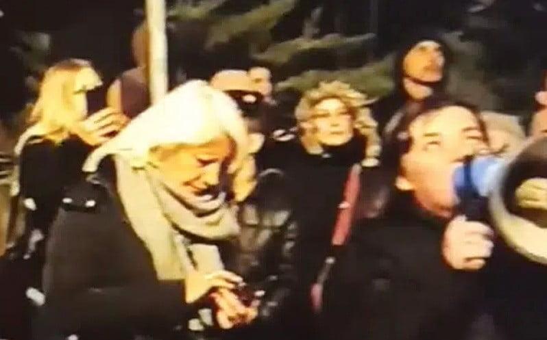 taxi TAXIS-MIGRÁNS LÉGYOTT: Hogyan zajlik a migránsok mozgatása a hármashatárnál lévő szerbiai Majdányban (videó) acdc mengele kon
